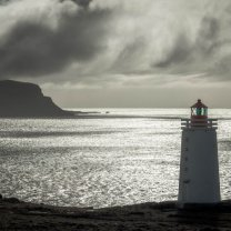iceland_light_house_in_sun
