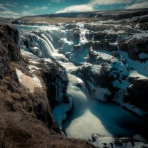 iceland_waterfall_canyon